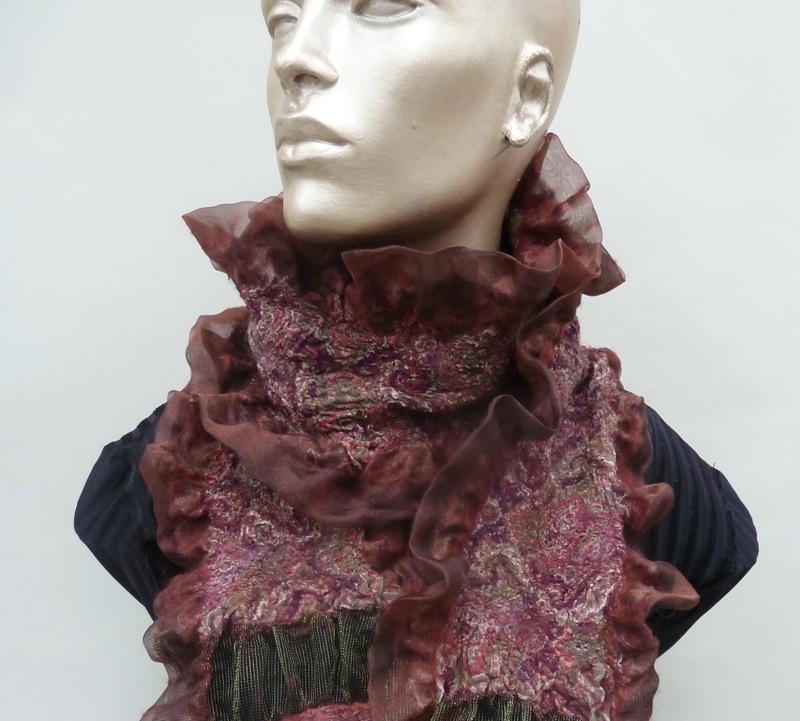 felt scarf ruffled Cranberry print